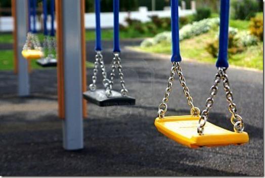 Empty_Swings